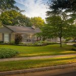 Boxwood Front Entrance – Welcome Home!